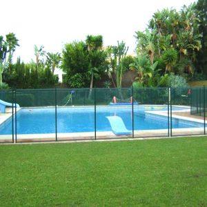 cloture autour piscine amovible en couleur verte