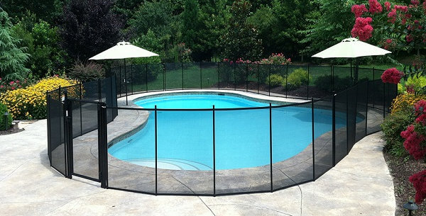 Cloture piscine aluminium et filet en pvc transparent démontable