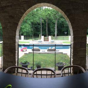Clôture amovibles piscine installées dans un château
